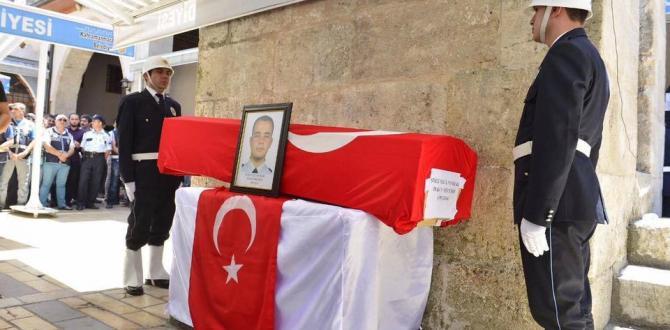 KAHRAMANMARAŞ ŞEHİDİNİ UĞURLADI!