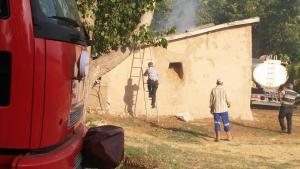 14053990 1742680182686748 5306550109338438171 n 300x169 Çoğulhan Mahallesinde Samanlıkta Çıkan Yangın Söndürüldü.