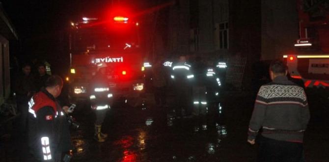 Yüreğimiz Yandı. Adana'da Kız Öğrenci Yurdunda Yangın: 12 Ölü