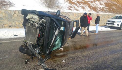 Buzlanma Kazaya Neden Oldu : 2 Yaralı