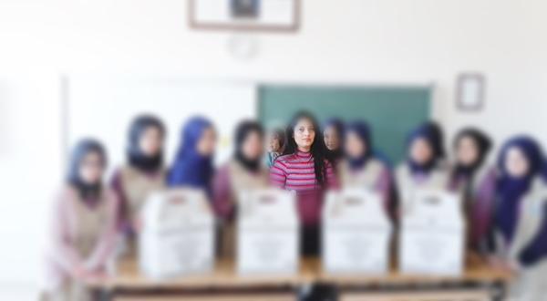 Pınar Öğretmenin Hayvan Sevgisi