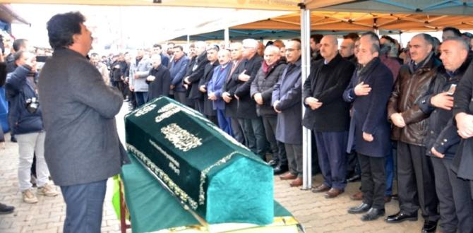 Milletvekili Ali Öztunç'un Babası Nasır Öztunç Toprağa Verildi.