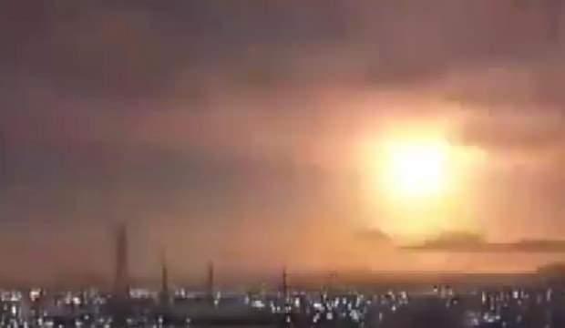 Japonya'da atmosferden giren göktaşı alev topuna döndü