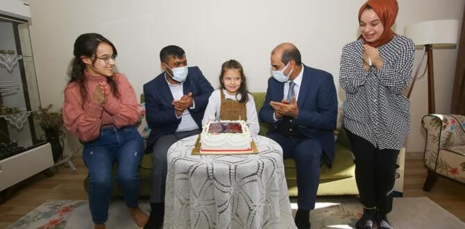 Şehit Kızına İl Emniyet Müdüründen Doğum Günü Sürprizi