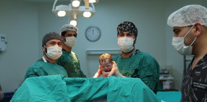 Elbistan'da Yılın İlk Bebeği 00:01'de Doğdu