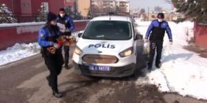 Elbistan'da Polisten 155'i Arayan İki Kardeşe Hediye Tablet