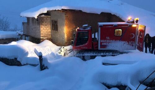 Göksun'da Kalp Krizi Geçiren Hastaya Snowtrack ile Ulaşıldı