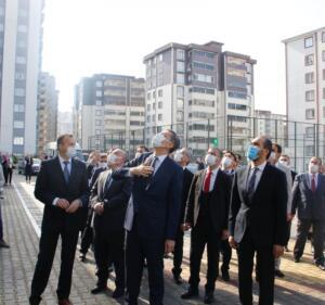 Ew07TqvXIAAt tZ 300x281 Milli Eğitim Bakanı Selçuk, Kahramanmaraşta Toplu Açılış Törenine Katıldı