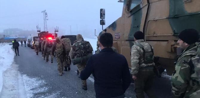 Bitlis'te askeri helikopter düştü! 9 şehidimiz var