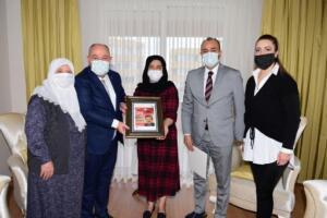 05 300x200 Vali Coşkun'dan Şehitlerimizin Kıymetli Ailelerine Ziyaret