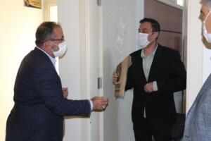IMG 1155 300x200 İlçe Emniyet Müdürü Metin Cengiz'e, Polis Haftası Ziyareti!