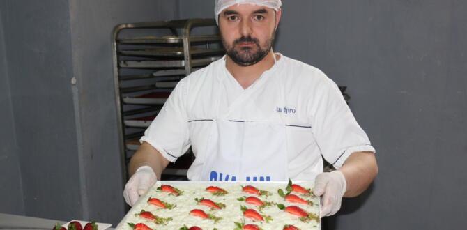 Ramazan Ayının Vazgeçilmez Tatlısı Güllaç, Hanzade Pastanesinde!