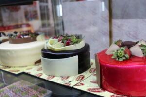 IMG 1471 300x200 Maraşlıoğlu Pastanesi Lezzetini Evlerinize Taşıyor!