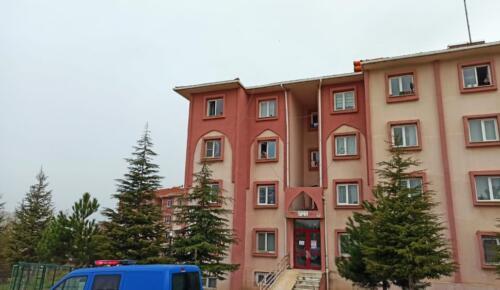Afşin'de Bina Karantinaya Alındı!