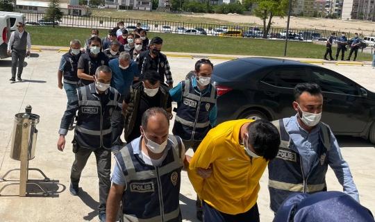Elbistan'da Fuhuş Operasyonun da 9 Kişi Yakalandı!