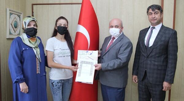Afşin'den dereceye giren öğrenciler ödüllerini aldılar!
