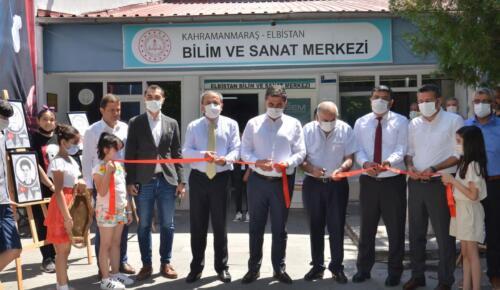 Elbistan'da Öğrenciler Resim Sergisi Açtı!