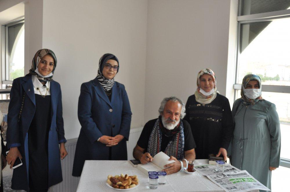 DSC 0361 4 Afşinli fotoğraf sanatçısı ve yazar Ertekin, imza günü düzenledi!