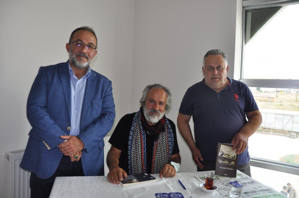 DSC 0381 1 Afşinli fotoğraf sanatçısı ve yazar Ertekin, imza günü düzenledi!