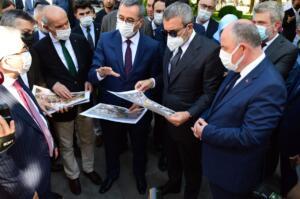 VBS 4734 300x199 TBMM Grup Başkanvekili Sayın Mahir Ünal'dan Vali Coşkun'a Ziyaret