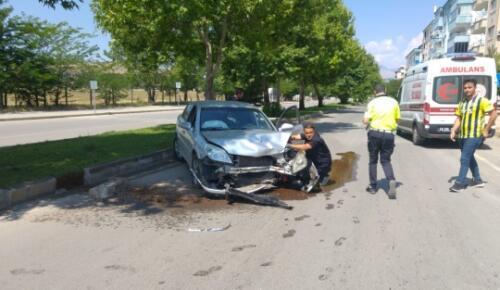 Afşin'de direksiyon hakimiyetini kaybeden sürücü kaza yaptı: 2 yaralı