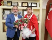 Afşinli Güreşçi Temur, Belediye Başkanı Güven'i ziyaret etti!