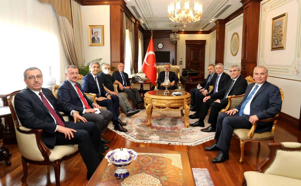 Büyükşehir Belediye Başkanları ve Yerel Yönetim Heyeti nden Vali Canbolat a Ziyaret