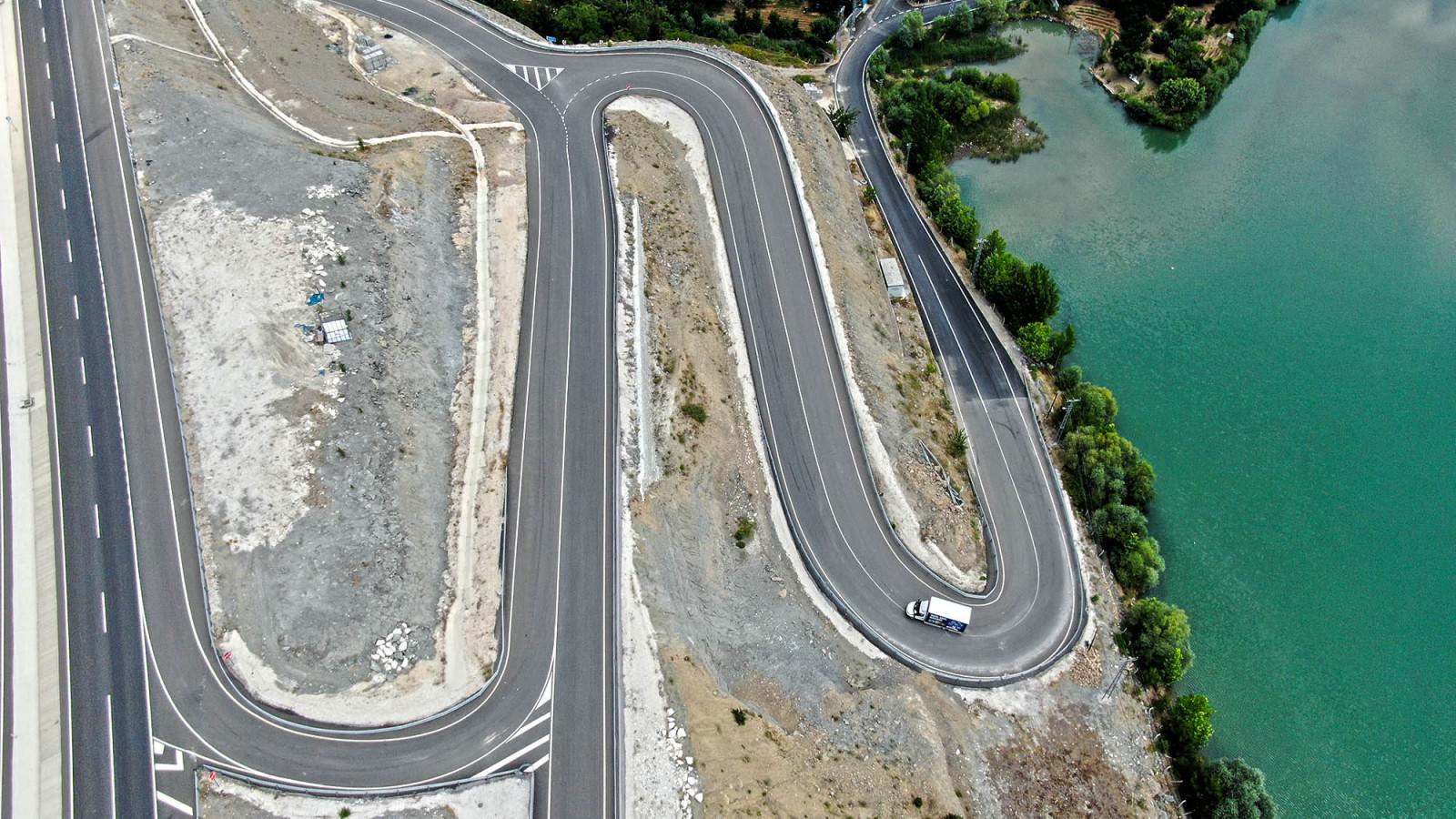 dongel mahallesi yol asfalt cizgi 3 Döngel Mağaralarının Ulaşım Sorunu Çözüldü