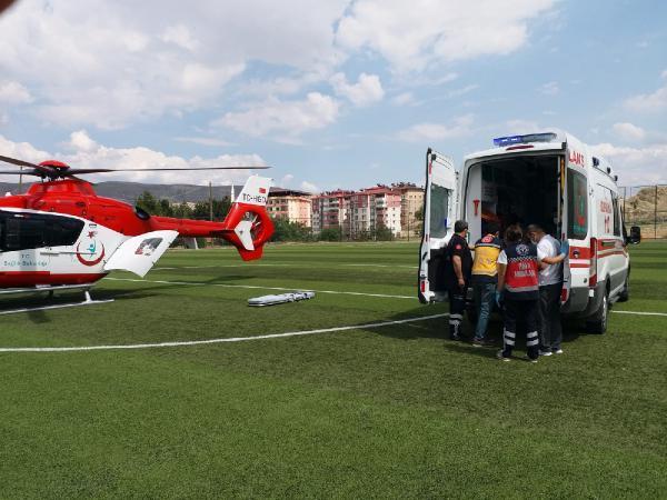 son dakika haber kalp krizi gecirdi ambulans helikopterle hastaneye ulastirildi 0 Kalp krizi geçirdi, ambulans helikopterle hastaneye ulaştırıldı
