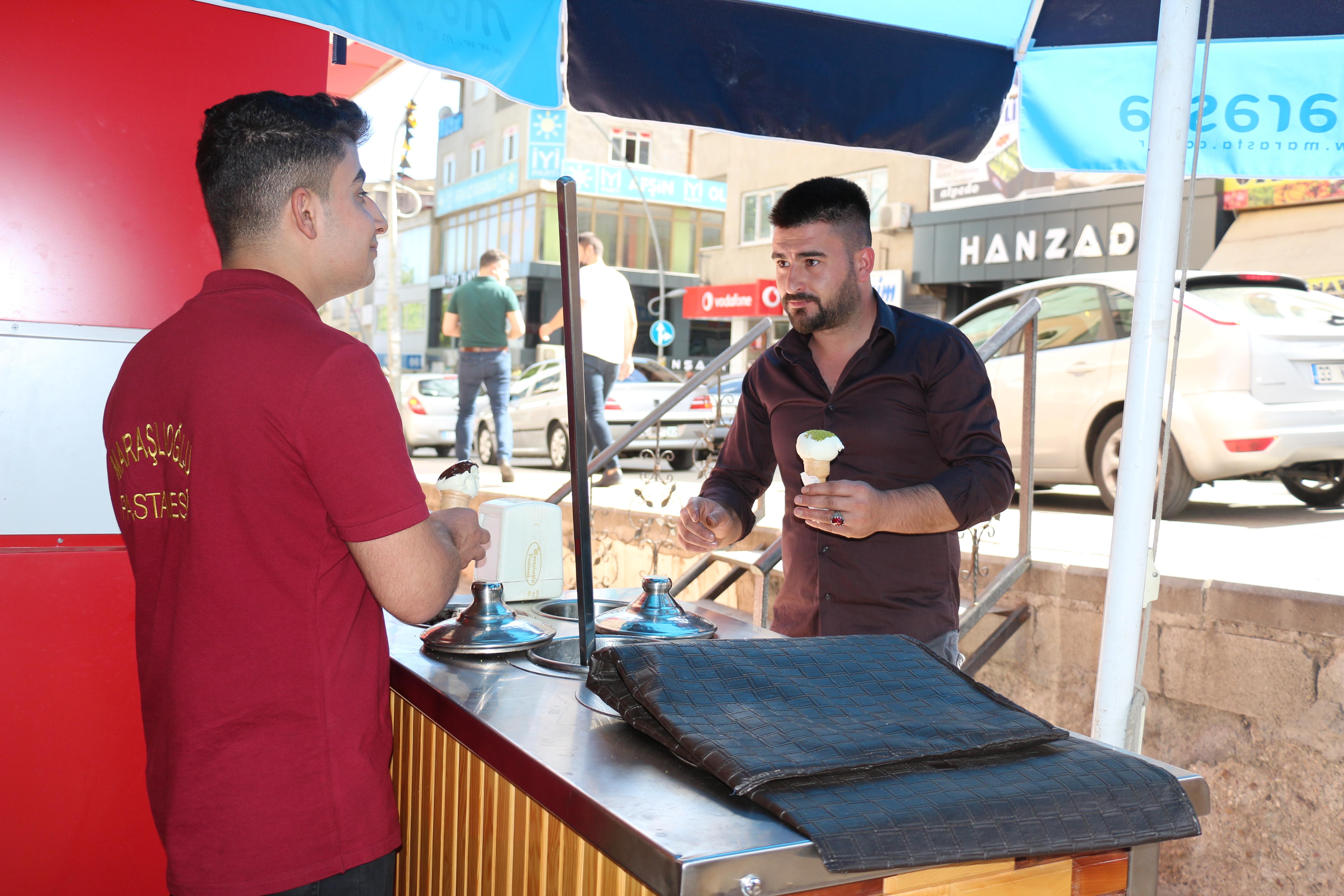 IMG 3010 Maraşlıoğlu Pastanesi, Yenilenen Yüzüyle Hizmetinizde!