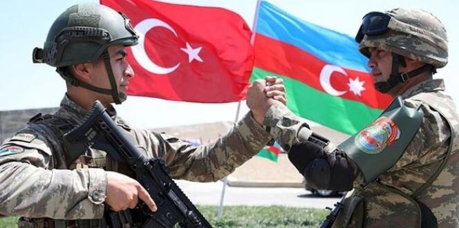 Azerbaycan'dan Türkiye'ye yangın felaketiyle mücadeleye destek için ikinci ekip gönderiliyor