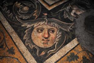 mozaikler 2 300x201 Germanicia'nın Yeni Kazı Alanında Hazırlıklar Sürüyor