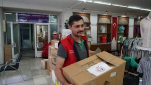 yangin bolgesine destek 7 agustos 106 300x169 Büyükşehir'den Yangın Bölgesine Bir Destek Daha