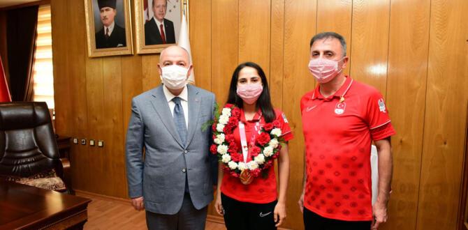 Vali Oyuncu Fatmagül Güler'i Misafir Etti