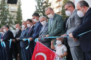 rte 3 300x199 Cumhurbaşkanı Erdoğan, Kahramanmaraş'ta toplu açılış törenine katıldı